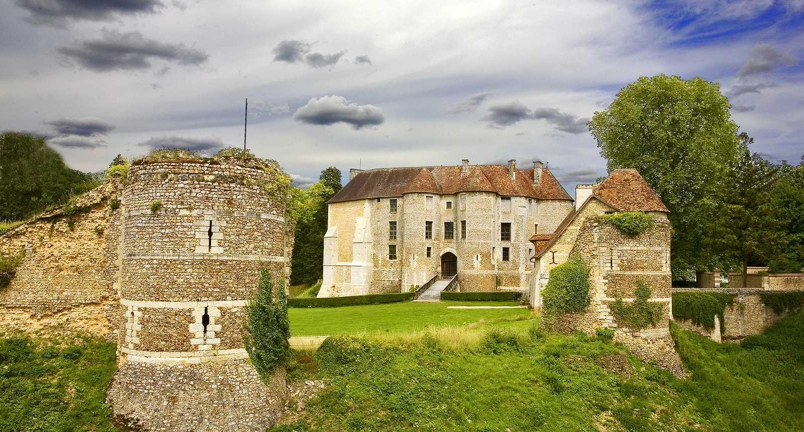 Le Château d'Harcourt (1)