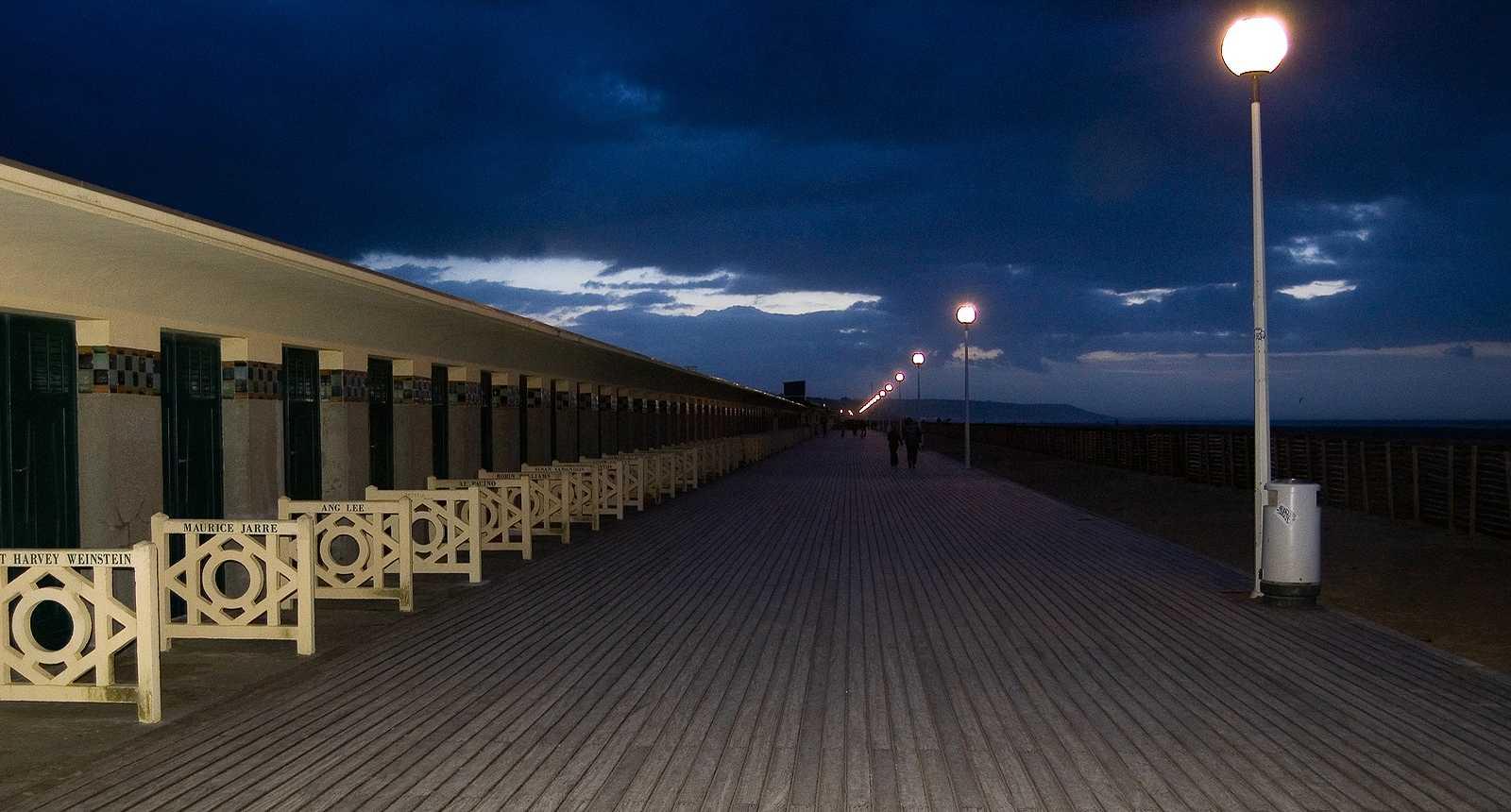 Photo les planches de deauville 2294 diaporamas images photos - Deauville office de tourisme ...