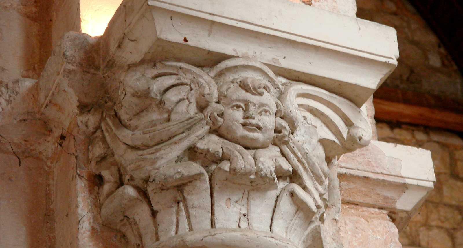 Chapiteau de l'Abbaye Notre-Dame de Bernay