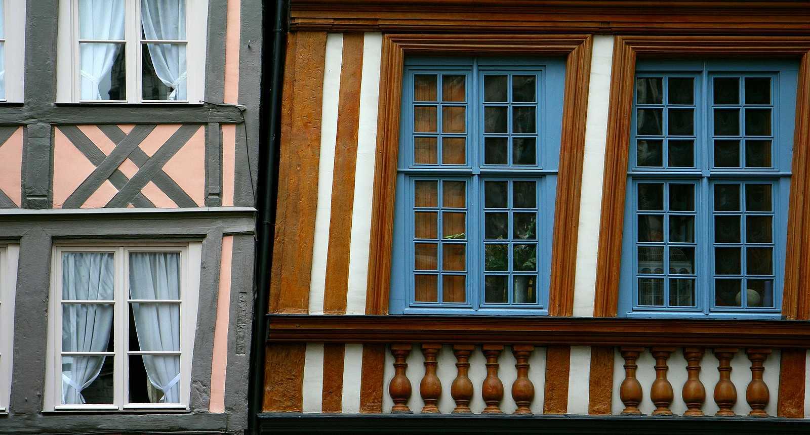 La Maison Penchée, Place Barthélémy à Rouen