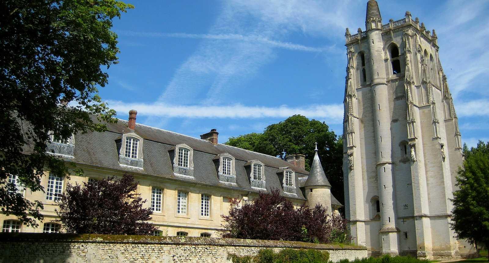 L'Abbaye Notre-Dame du Bec et la Tour Saint-Nicolas au Bec-Hellouin