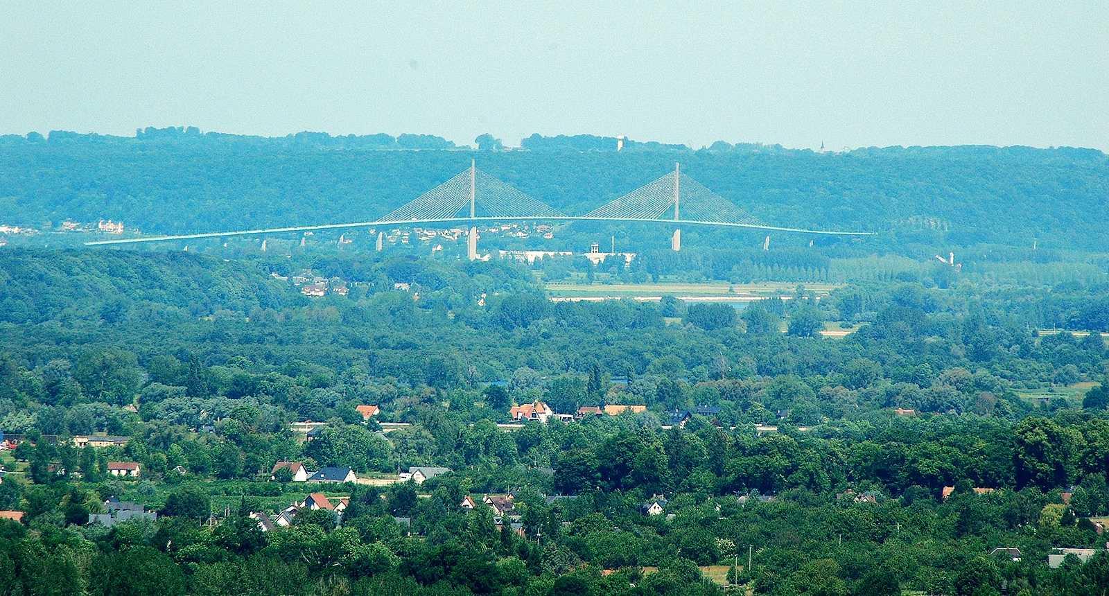 Panorama sur Barneville-sur-Seine et le Pont de Normandie
