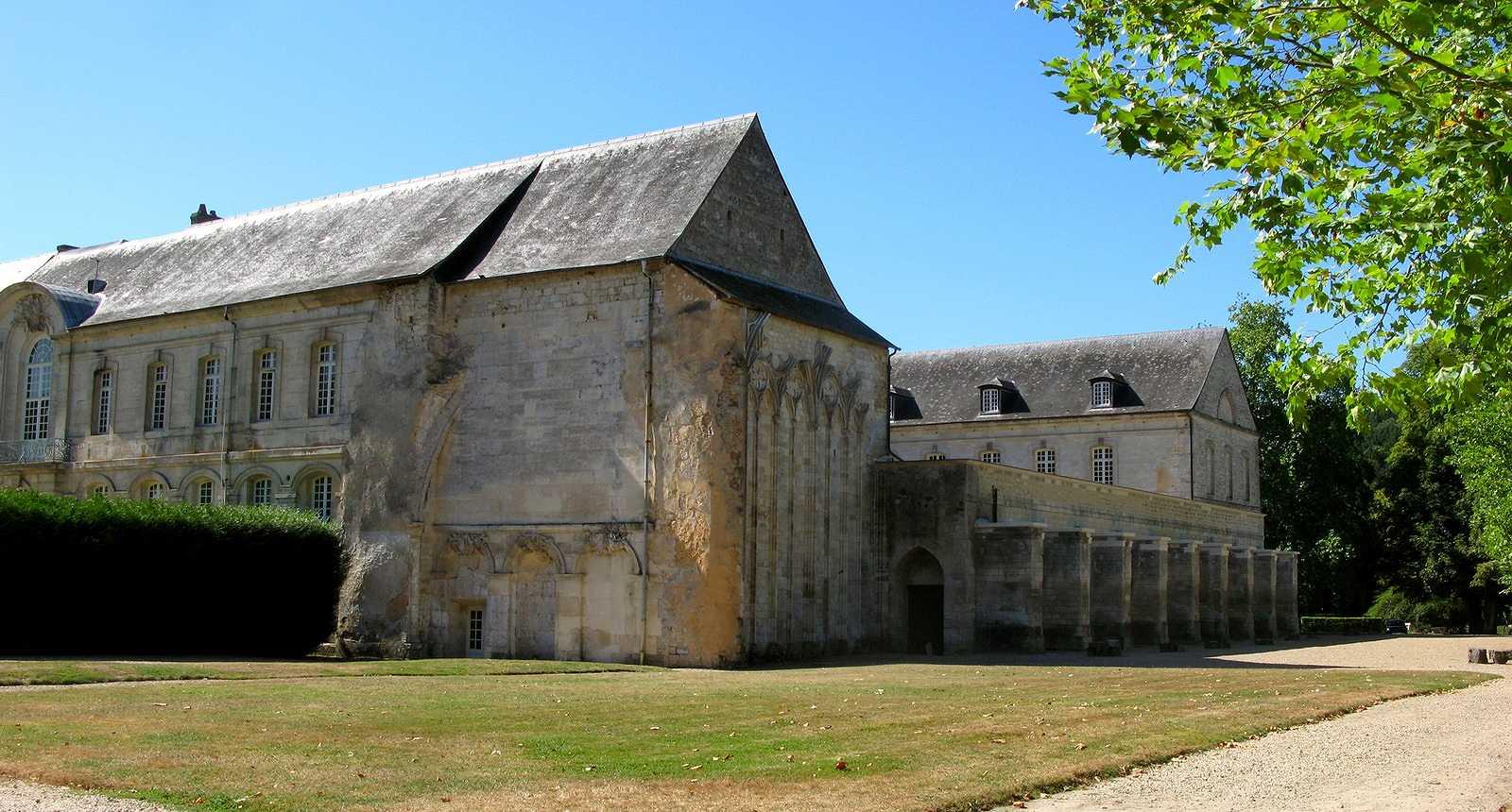 L'Abbaye Notre-Dame du Bec au Bec-Hellouin (1)
