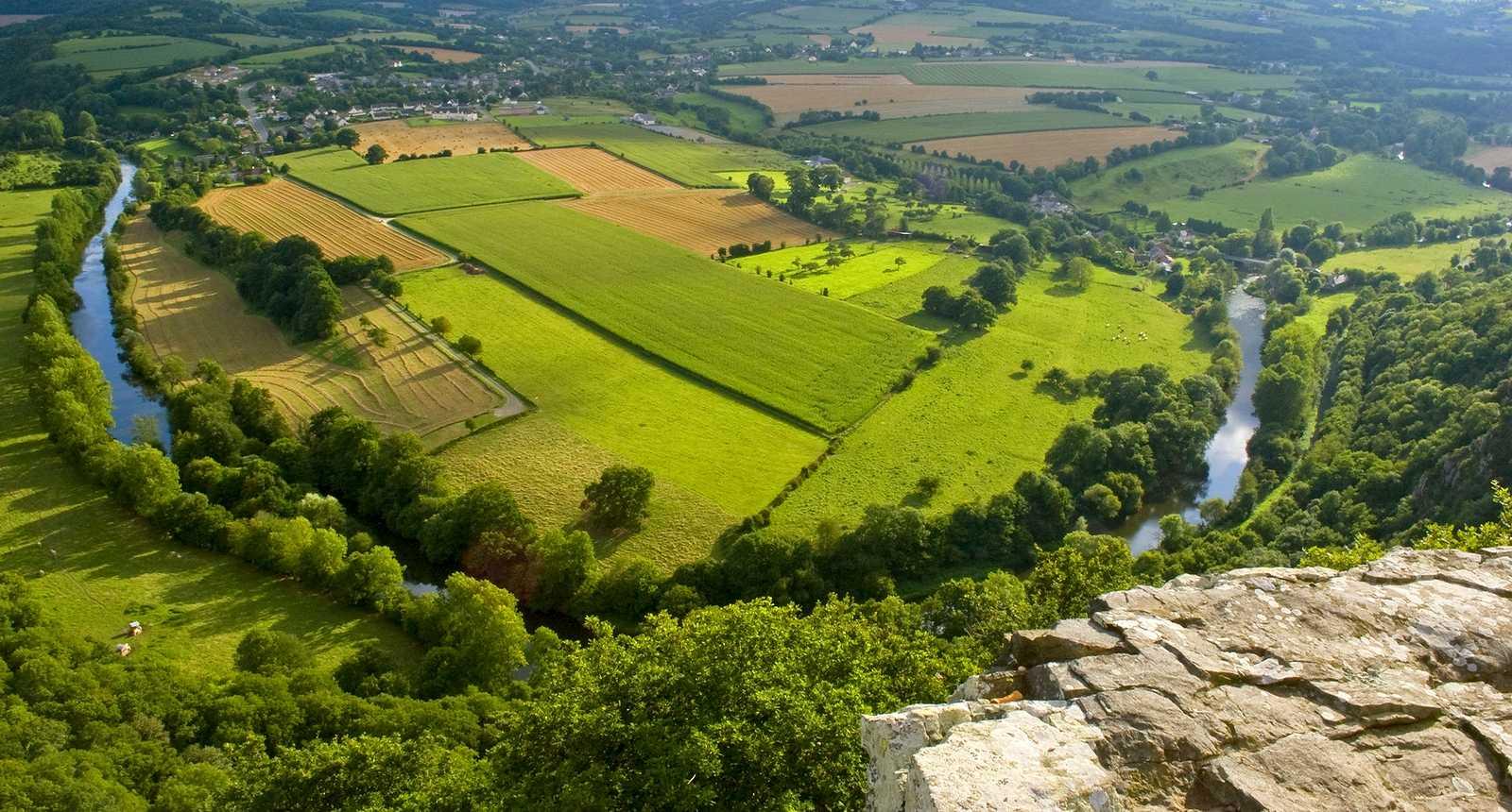 Panorama sur la boucle de l'Orne près de Clécy