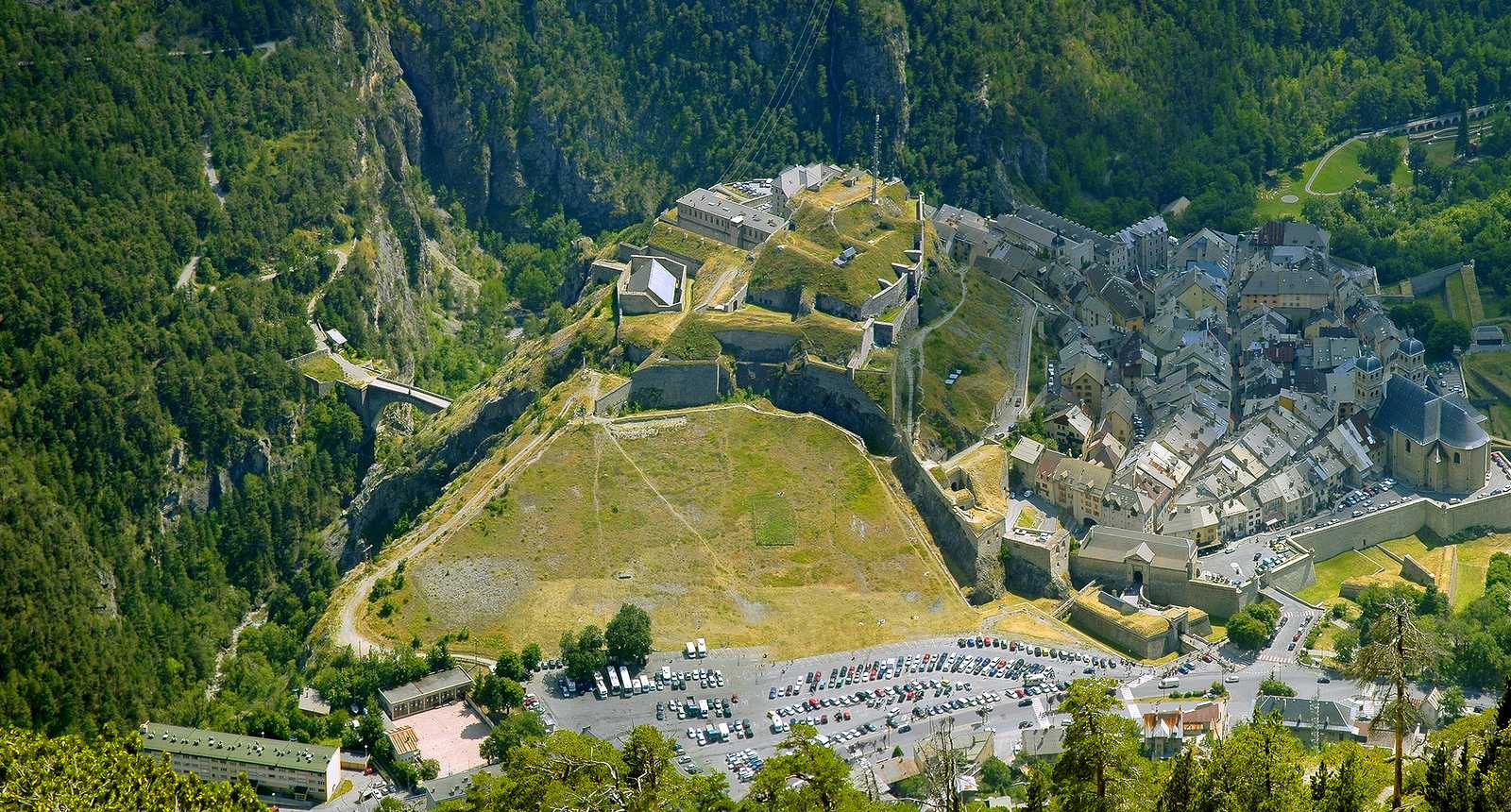 Vue aérienne de la Citadelle de Briançon