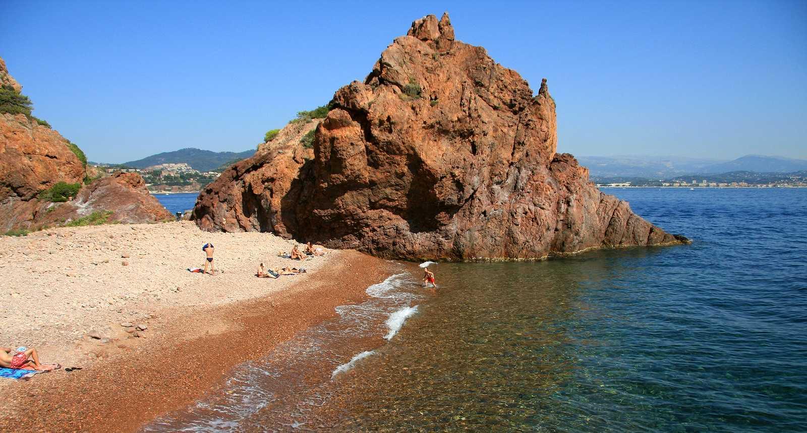 Roche de l'Esterel à Théoule, dans la Baie de Cannes