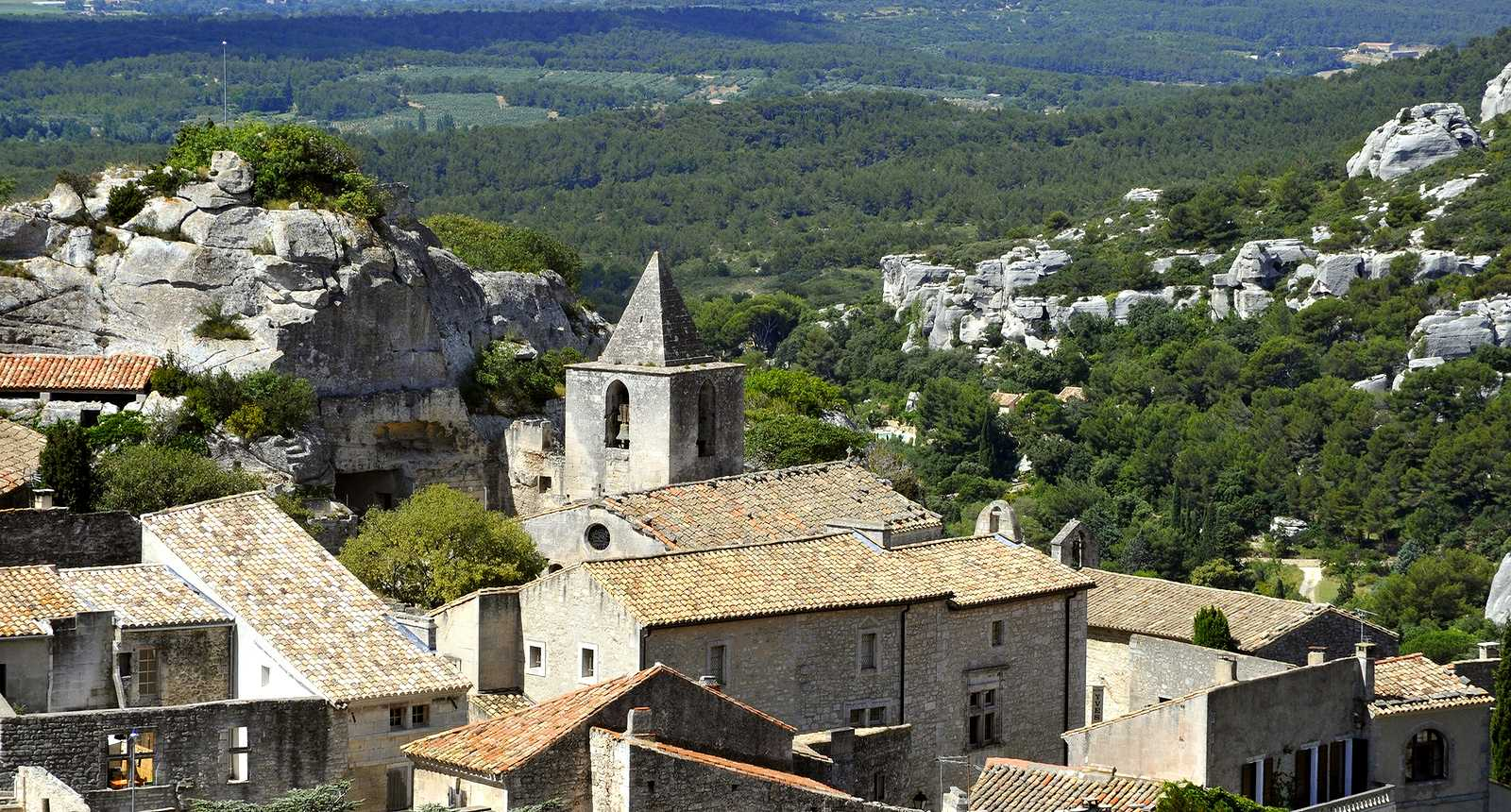 Photo l 39 glise saint vincent des baux de provence 2499 - Office de tourisme les baux de provence ...