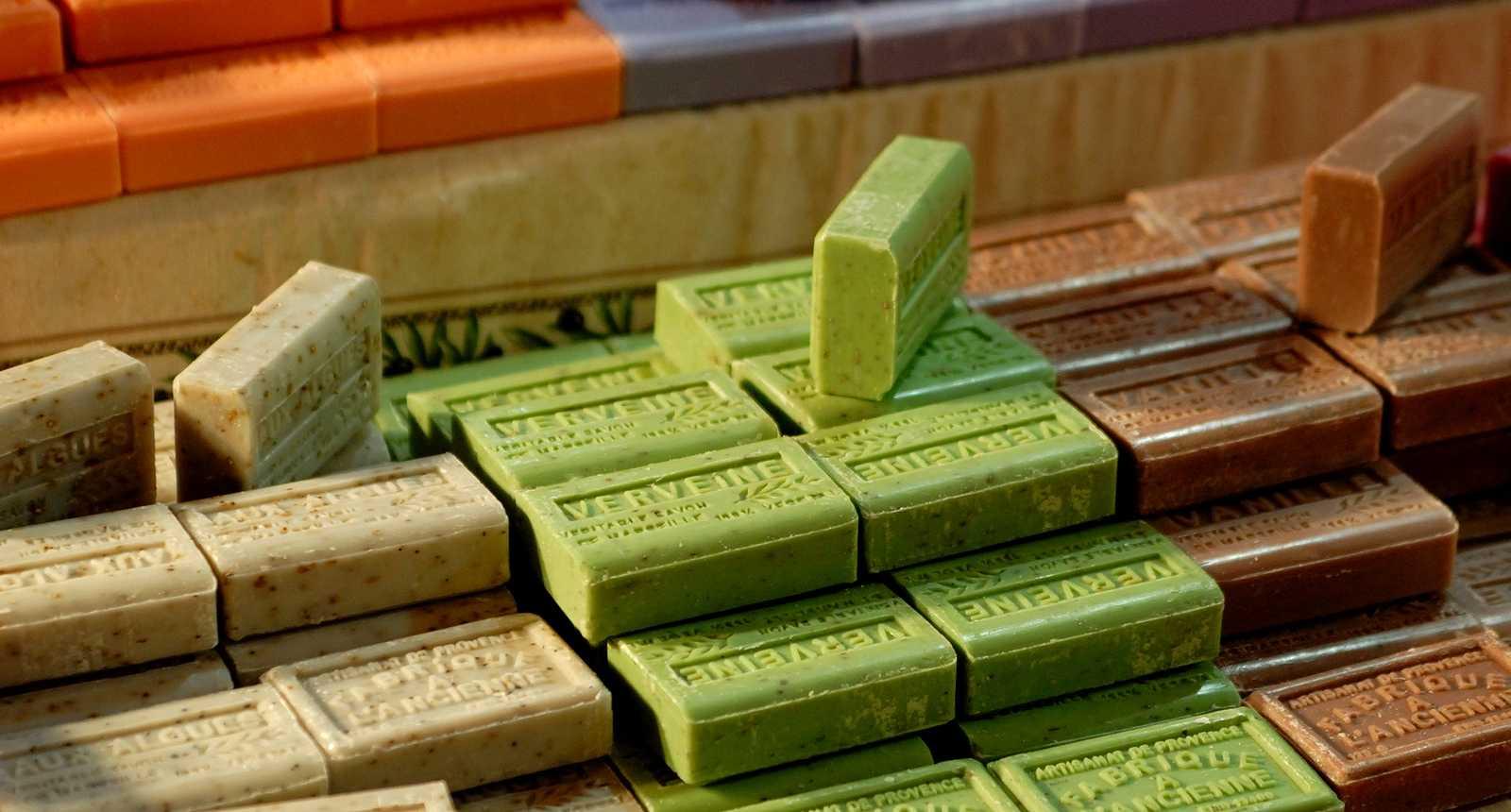Pains de savon de Marseille, fabrication artisanale
