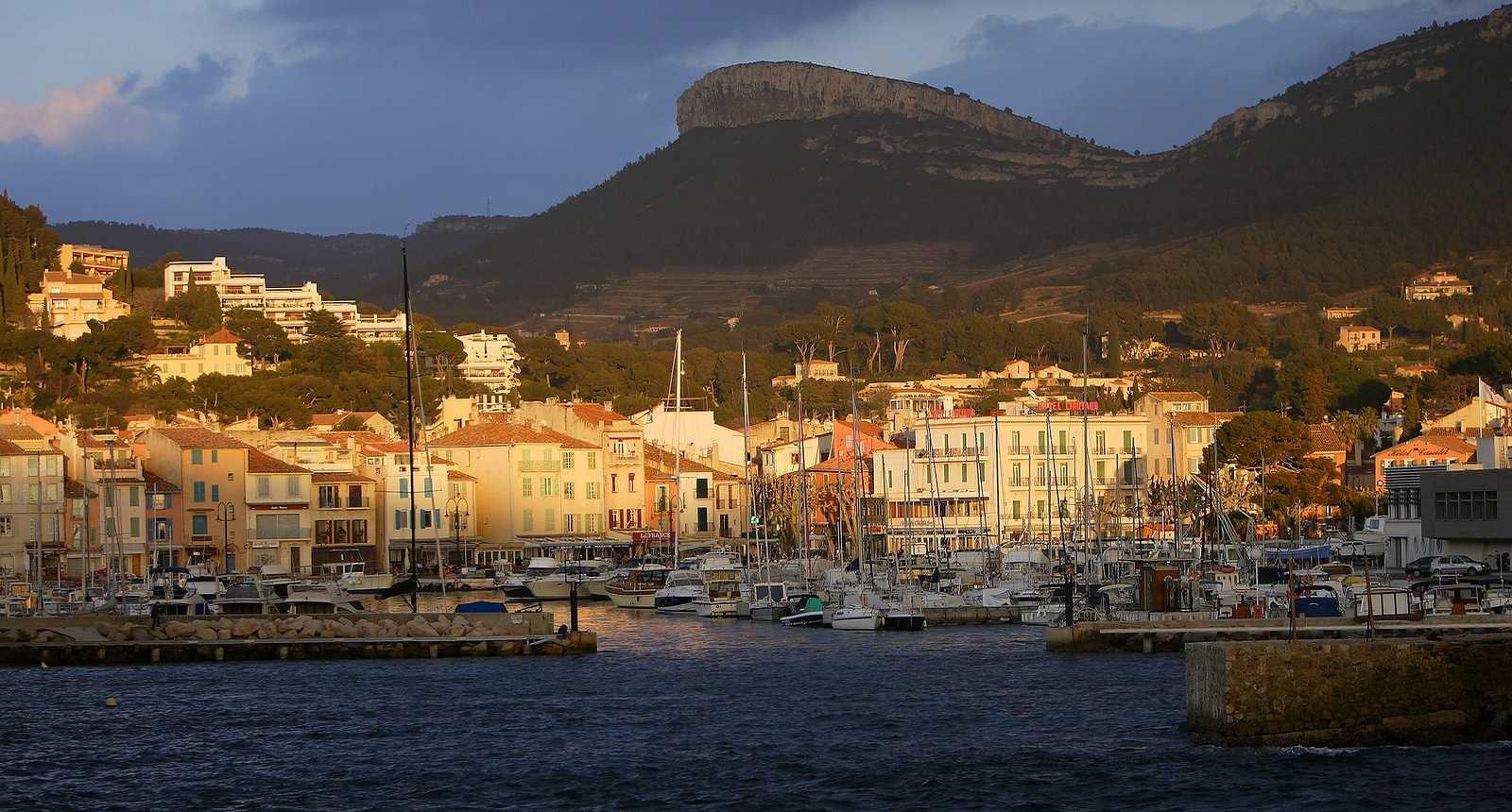 Coucher de soleil sur le Port de Cassis