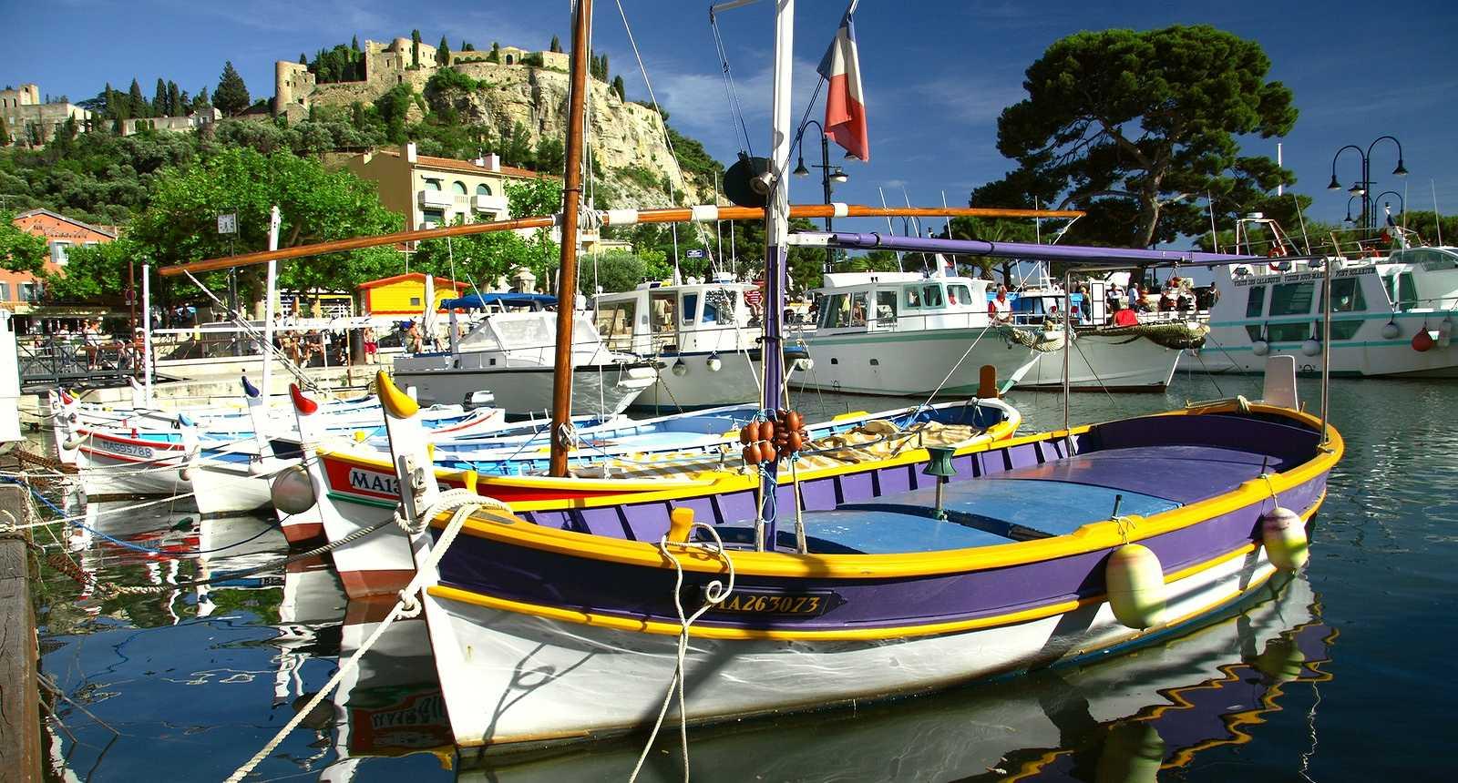 Barques dans le Port de Cassis