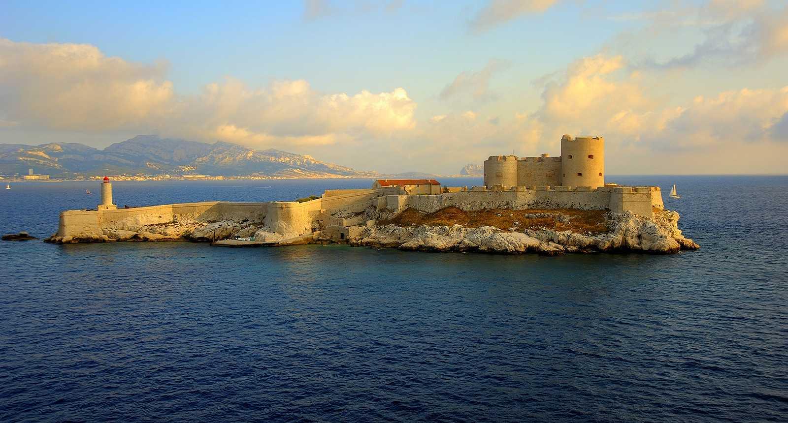 Le Château d'If au large de Marseille