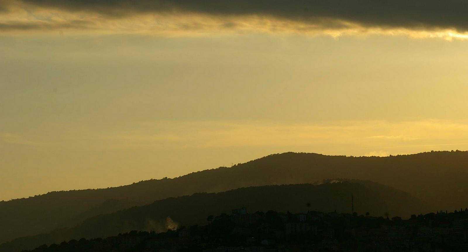 Coucher de soleil sur les hauteurs au-dessus de Grasse