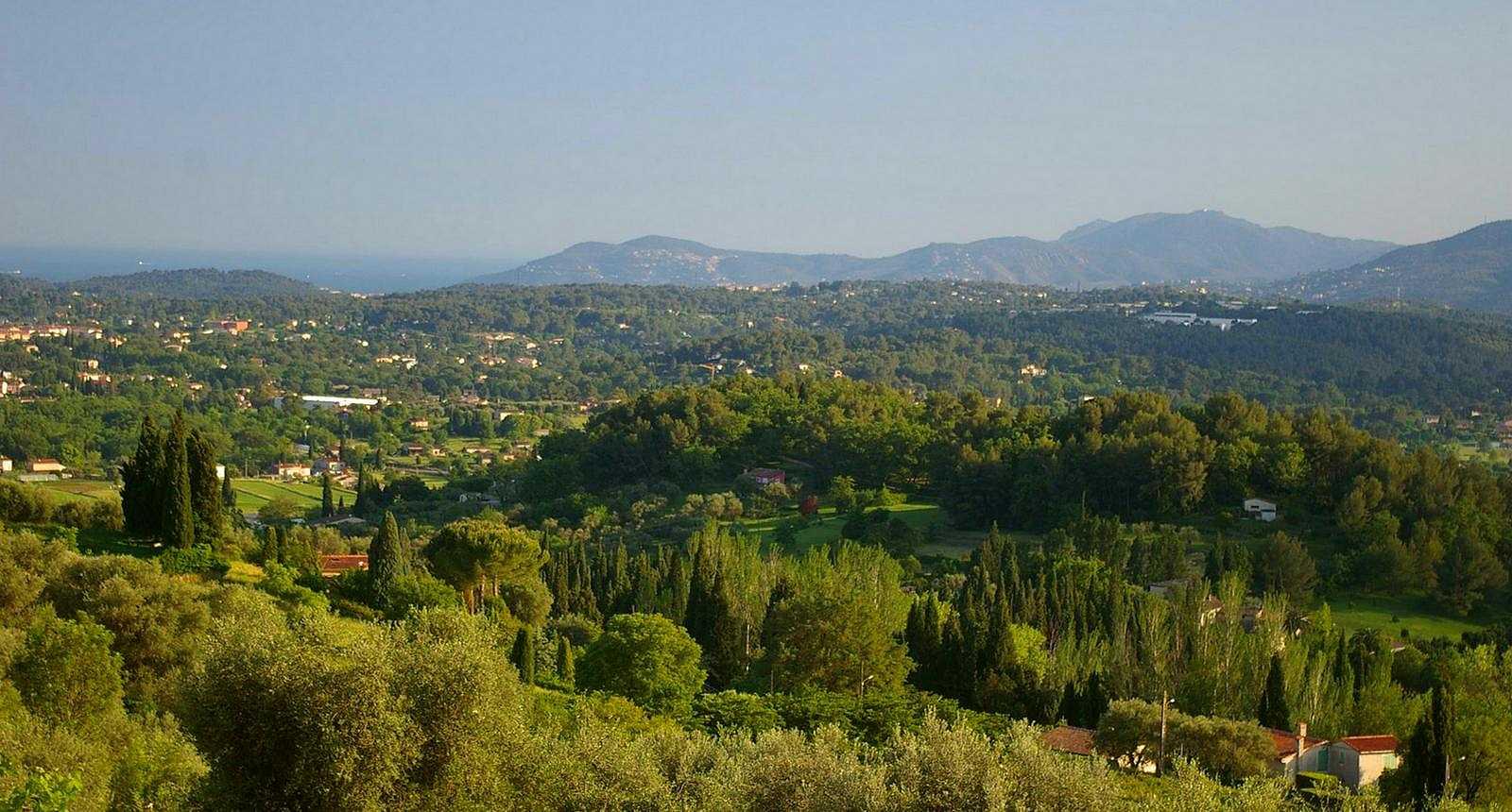 Panorama sur les alentours de Grasse