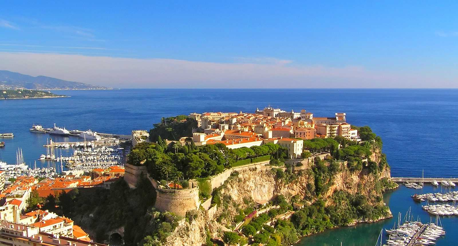 Photo vue sur le rocher de monaco et le palais princier 2626 diaporamas images photos - Office de tourisme de monaco ...