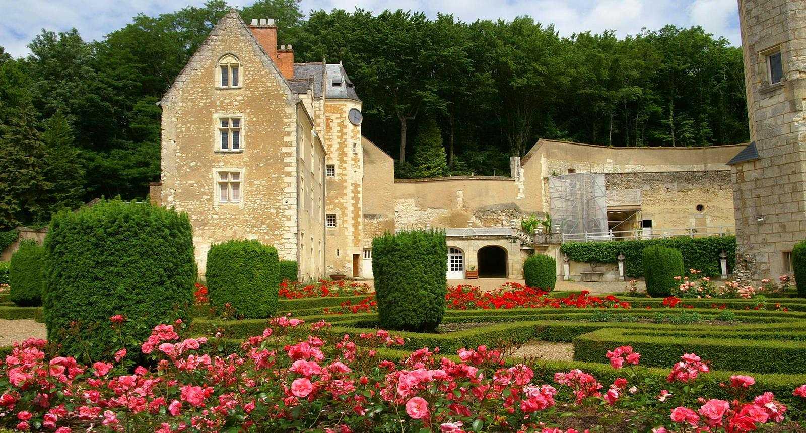 Le Jardin de roses du Château de Courtanvaux