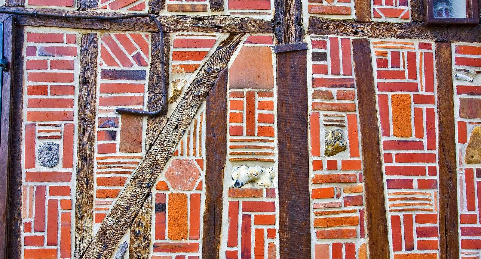 Façade d'une maison médiévale de la vieille ville de Beauvais