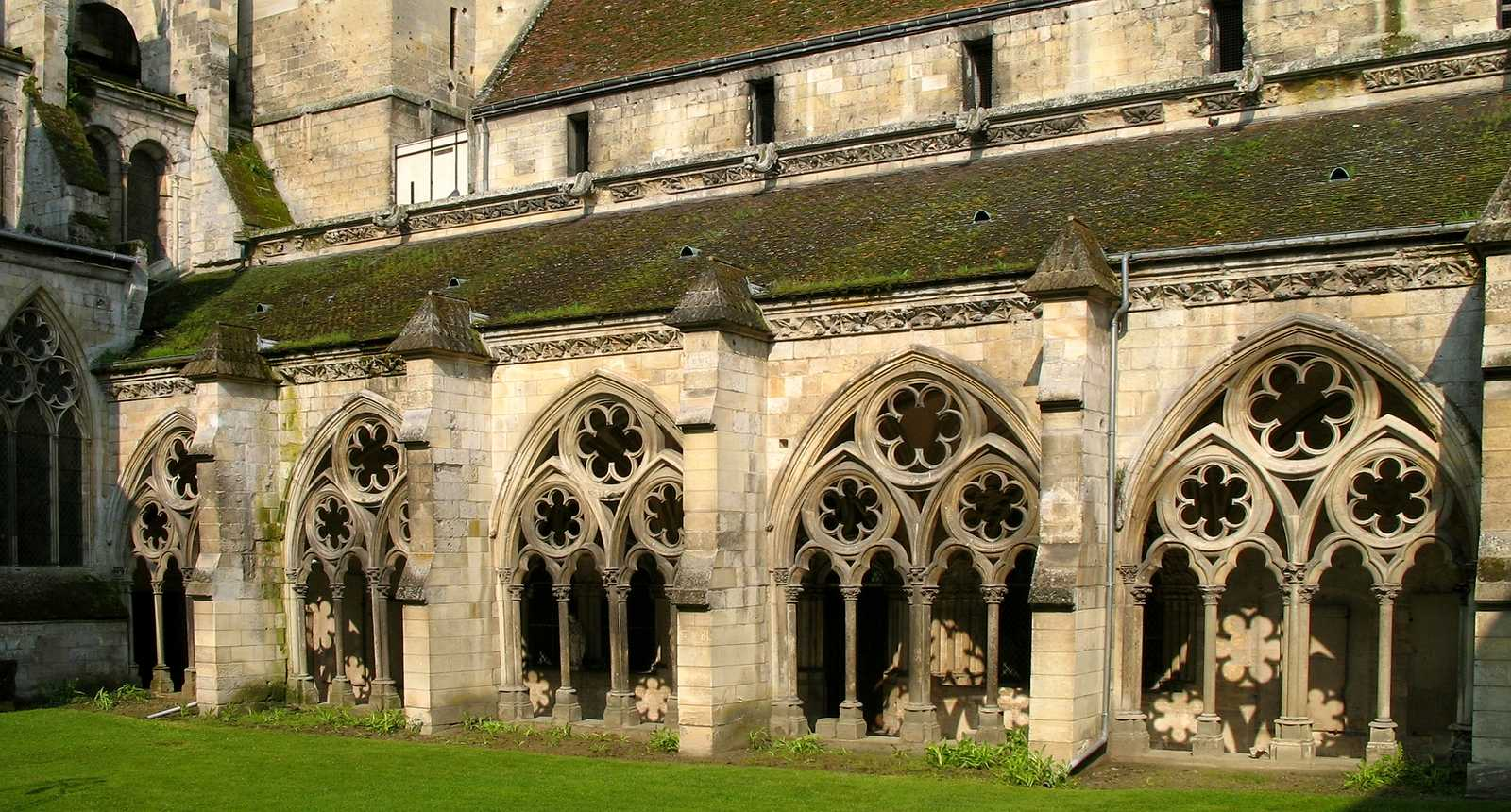 Cathédrale de Noyon, le cloître