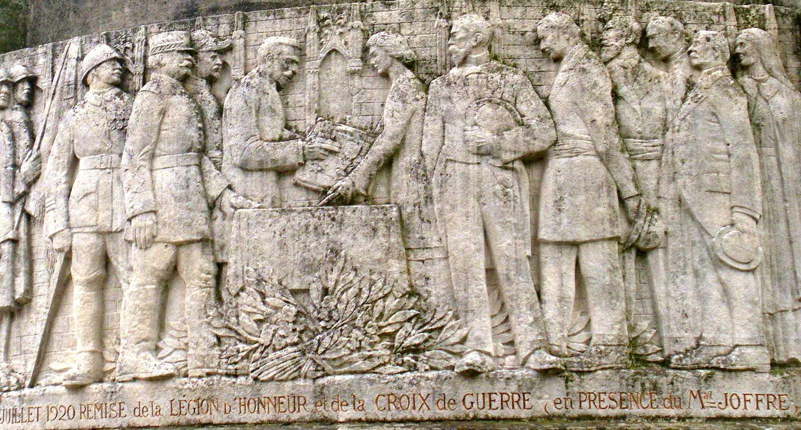 Monument aux Morts de Noyon