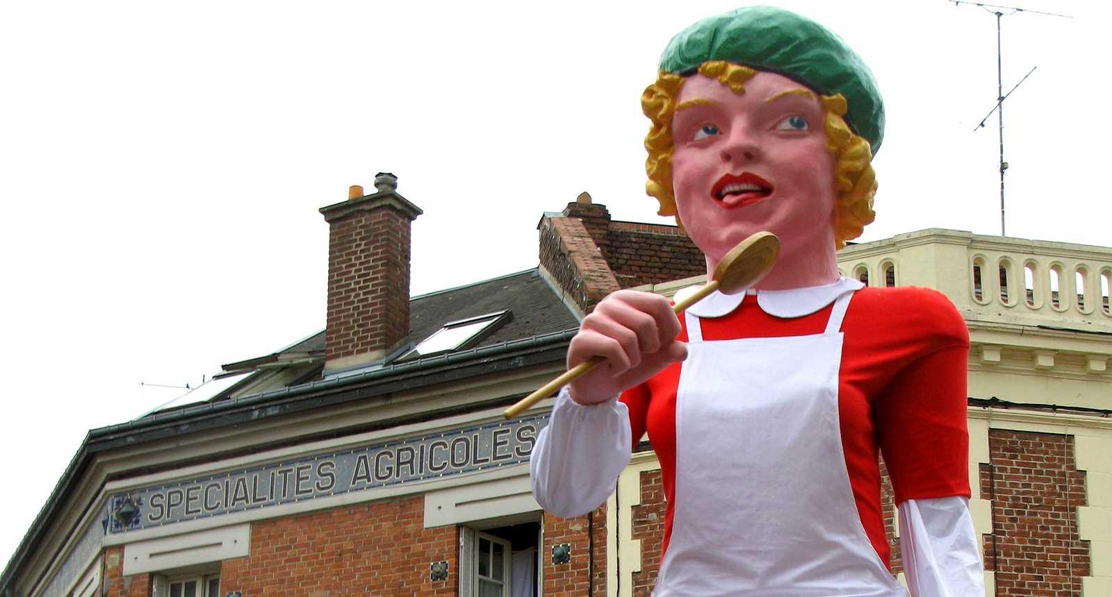 Le Défilé des Géants à Ham (1)