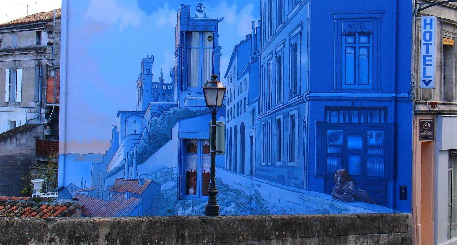 Façade en trompe-l'oeil d'un hotêl d'Angoulême