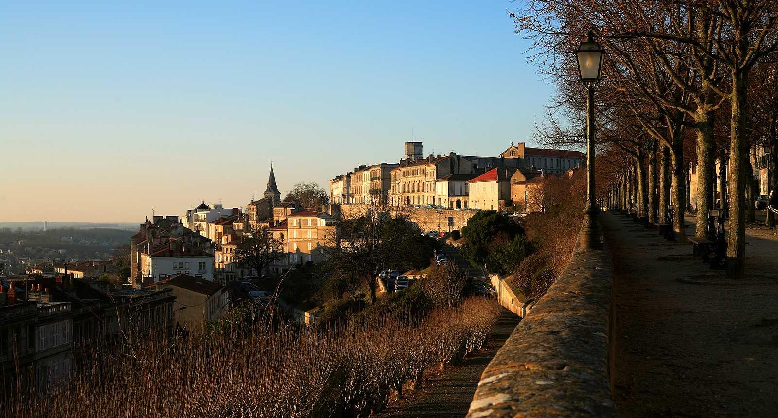 Vue sur le vieil Angoulême