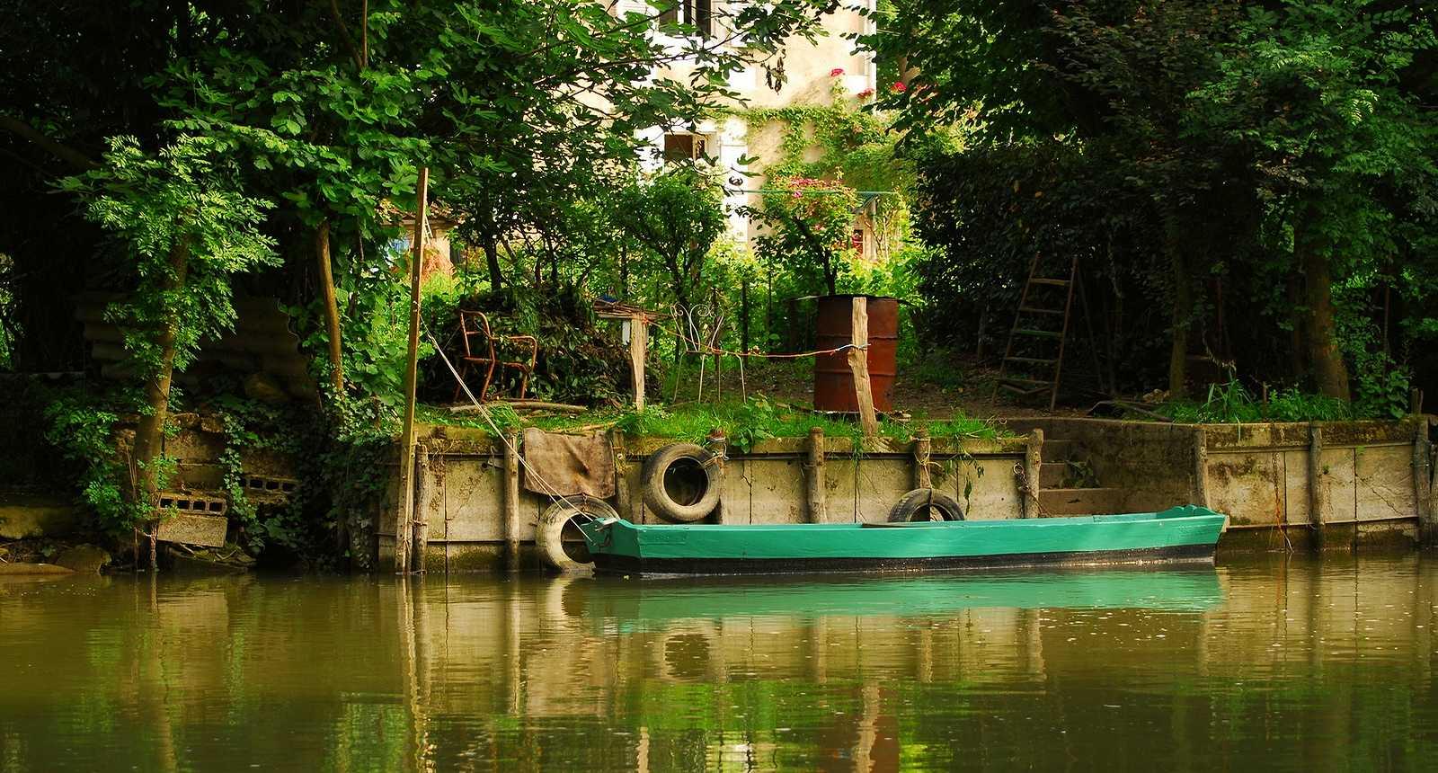 photo barque dans le marais poitevin 2969 diaporamas images photos. Black Bedroom Furniture Sets. Home Design Ideas