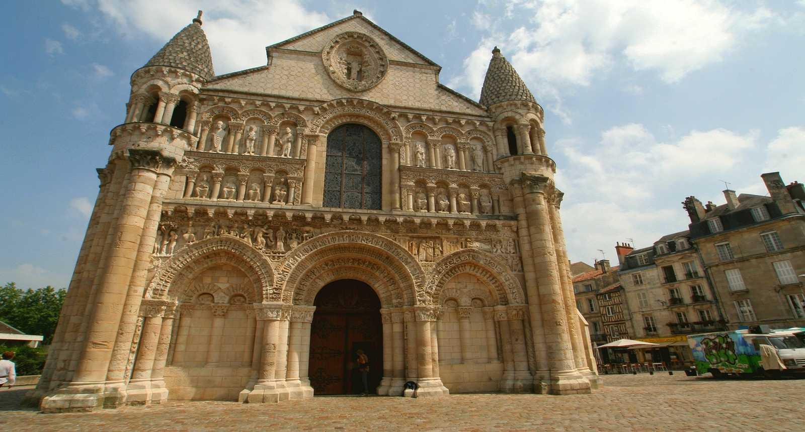 L'église Notre-Dame-la-Grande de Poitiers