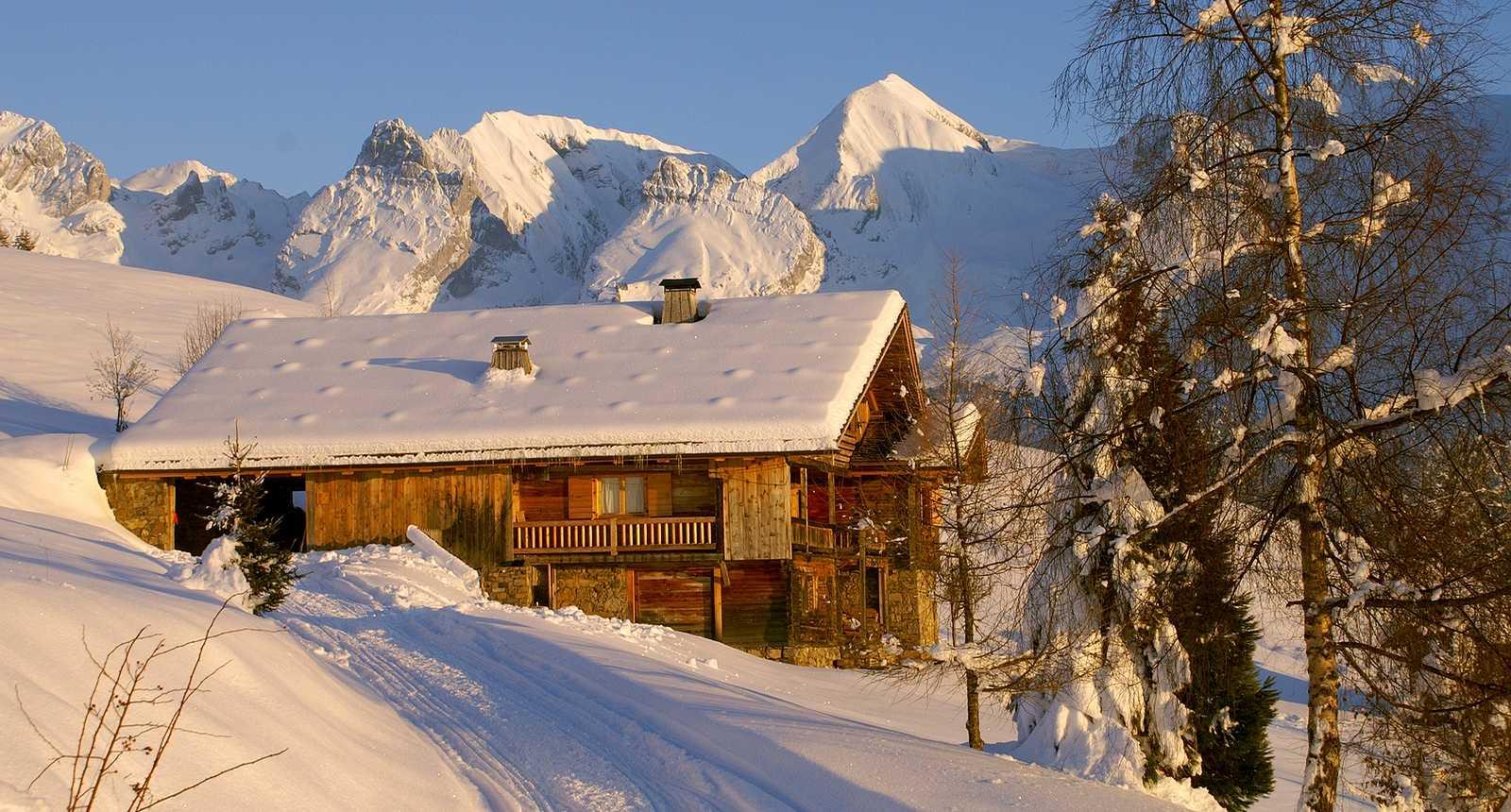Chalet sous la neige dans le Genevois