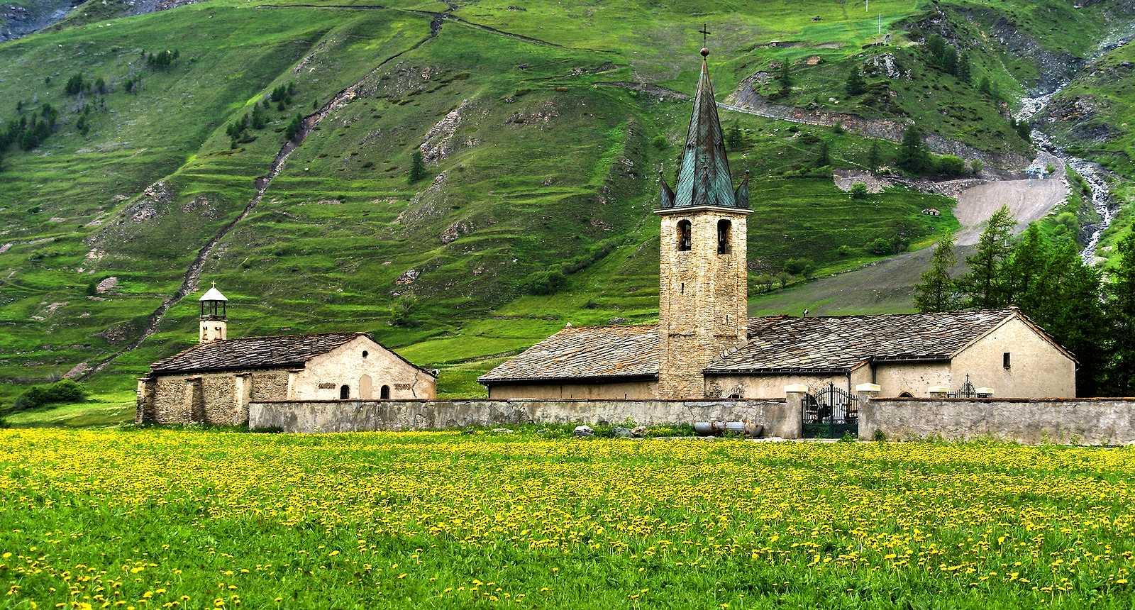 Le village de Bessans en Haute-Maurienne