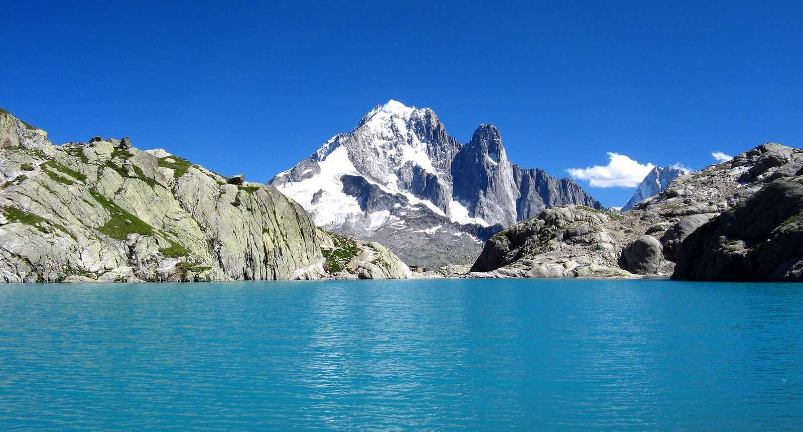 Le Lac Blanc dans la Vallée de Chamonix