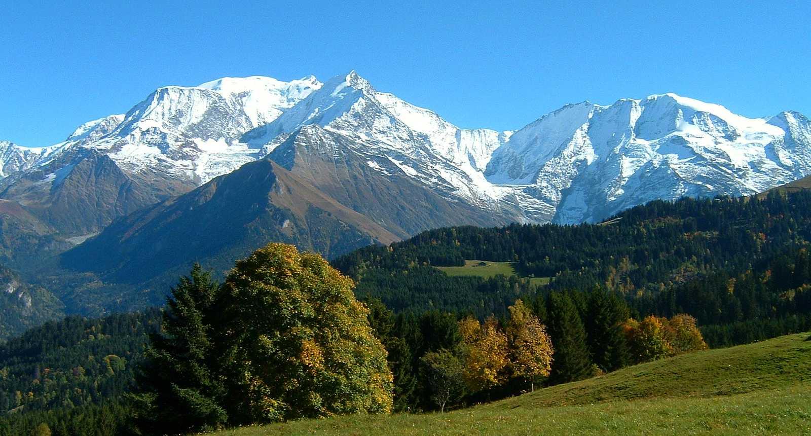 Le Mont Blanc vu en montant vers le Mont Joux