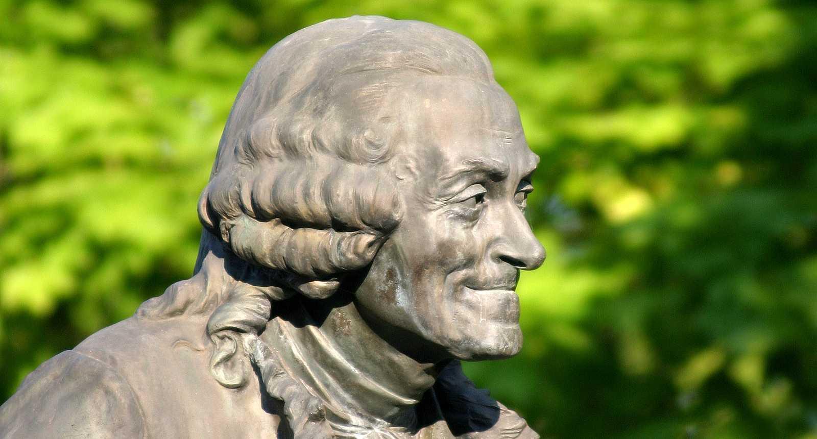 Statue de Voltaire à Ferney  (1)