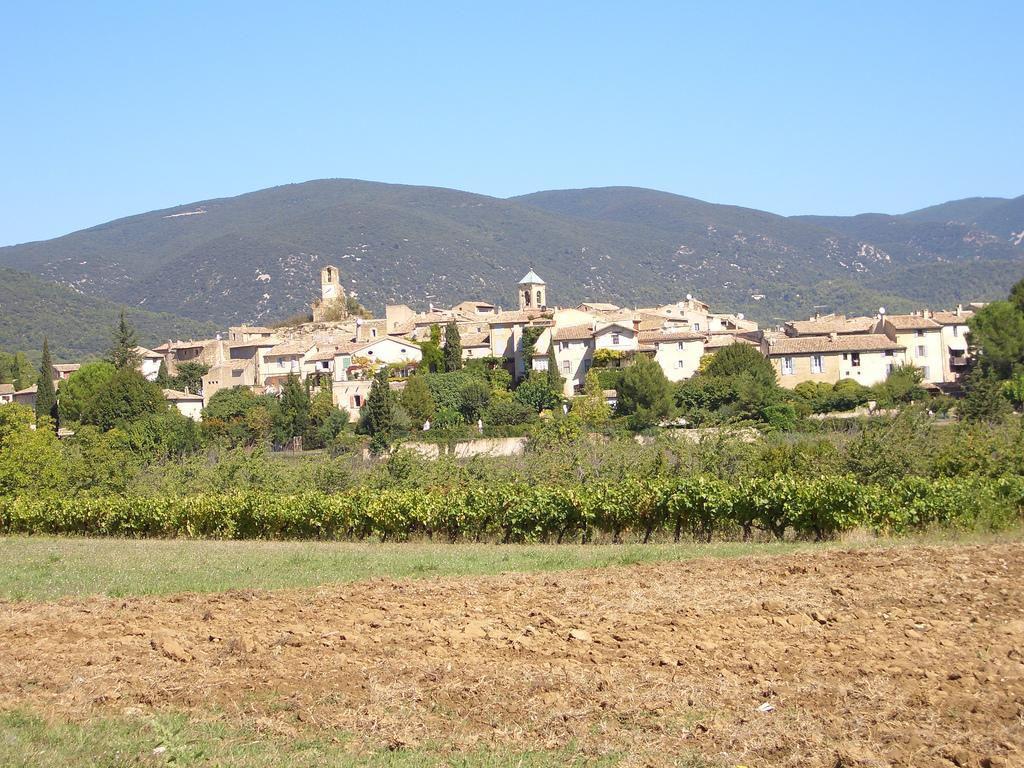Le sud Luberon : village de Lourmarin (84160), Luberon, Vaucluse (84), Provence