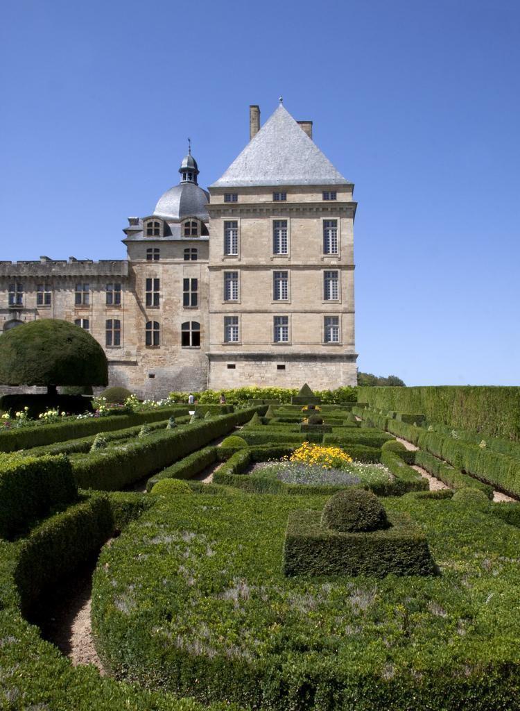 Château_Hautefort (2)