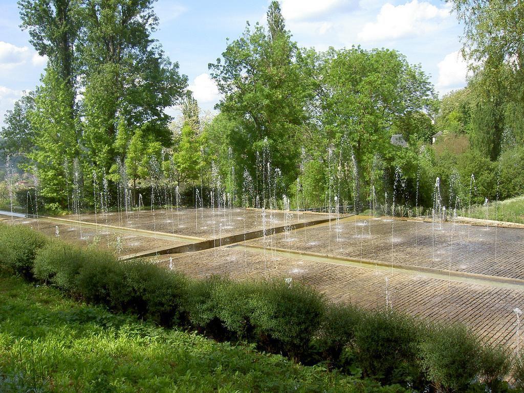 Jardins de l 39 imaginaire terrasson lavilledieu 24120 dordogne 24 - Les jardins de l imaginaire a terrasson ...