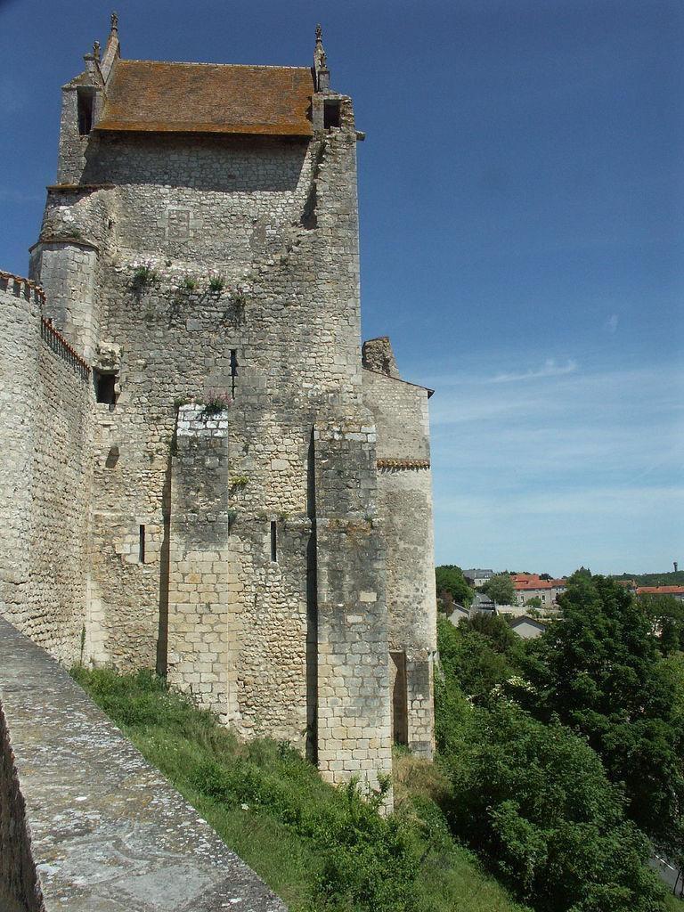 Donjon de Gouzon_Chauvigny