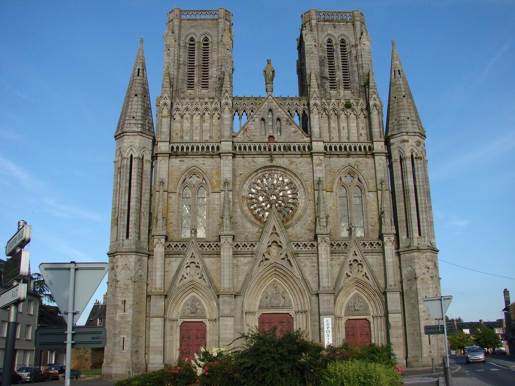 Notre-Dame-des-Champs_Avranches
