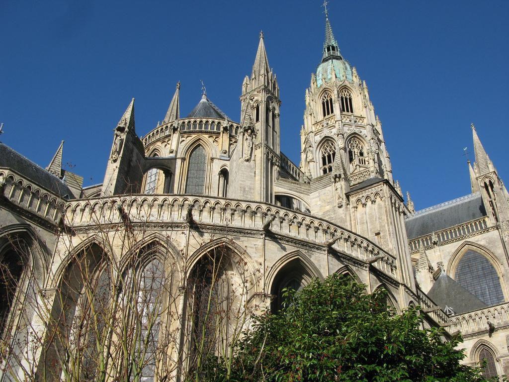 Cathédrale Notre-Dame_Bayeux (1)