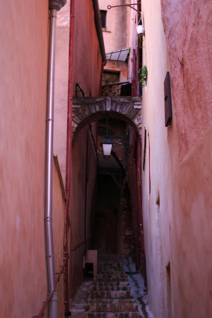 ruelle_Roussillon