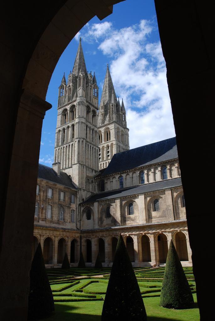 Abbaye-aux-Hommes_Caen