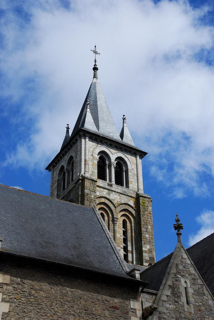 Cathédrale de la Sainte-Trinité_Laval