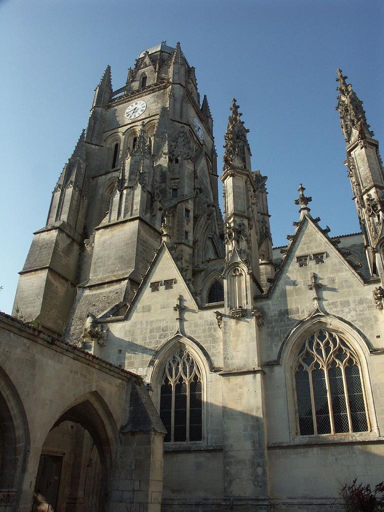 Cathédrale St-Pierre_Saintes