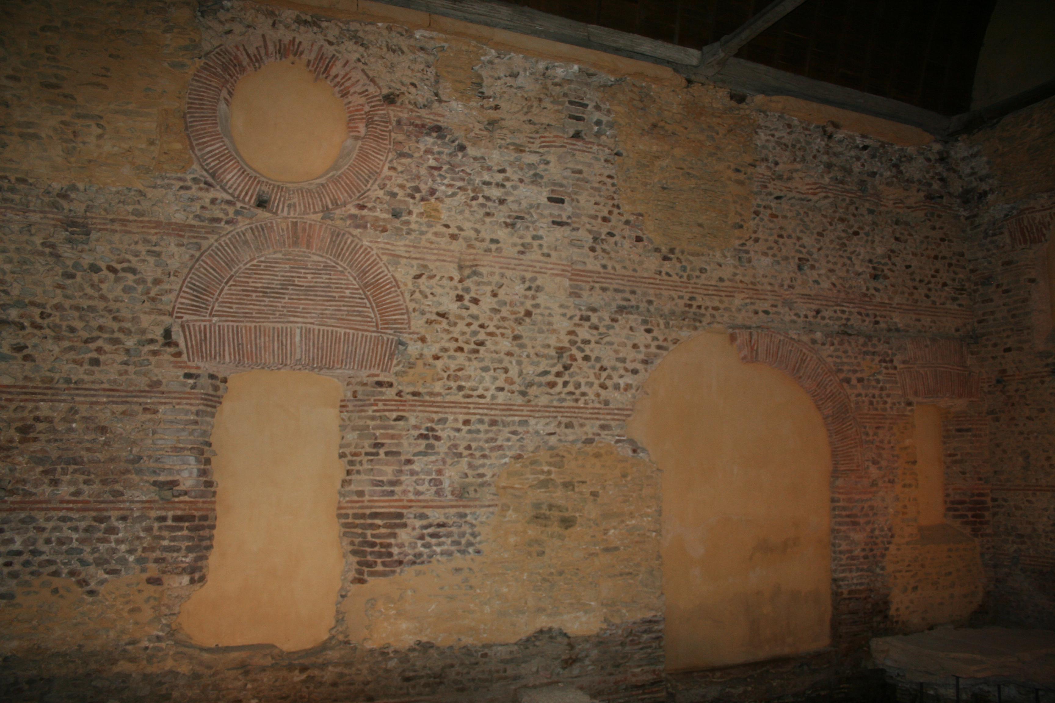 Mur intérieur des Thermes d'Entrammes