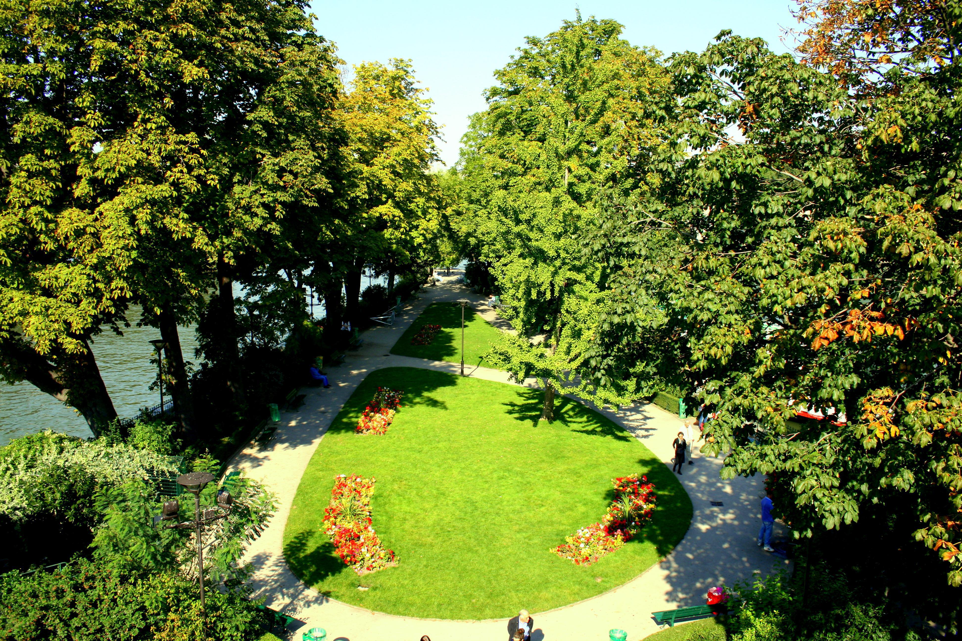 Guide de tourisme par commune paris 75 parcs jardin for Jardin du pic vert
