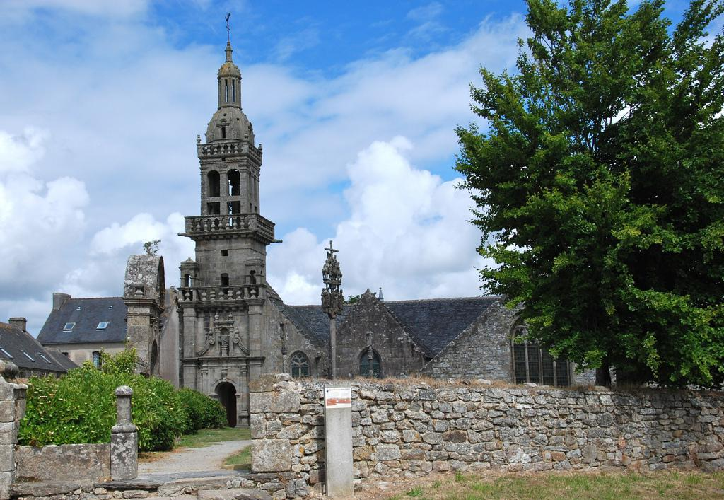 Chapelle Sainte-Marie-du-ménez-hom