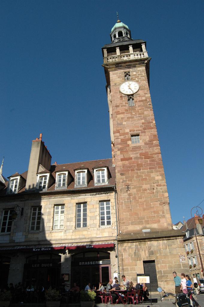 La Tour Jacquemart