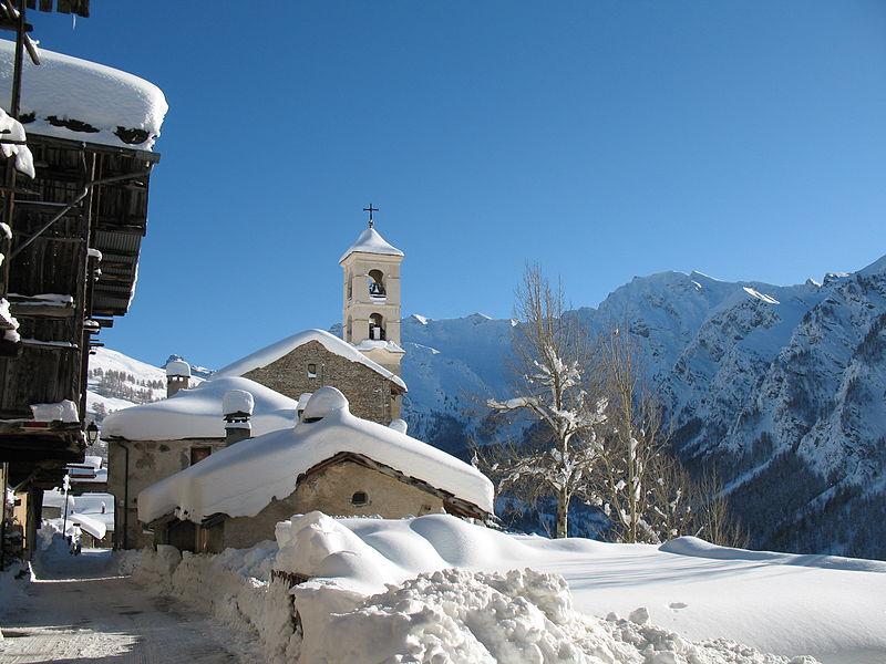 Eglise de Saint-Véran en hiver