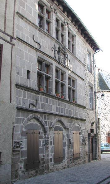 Mur-de-Barrez, maison Renaissance