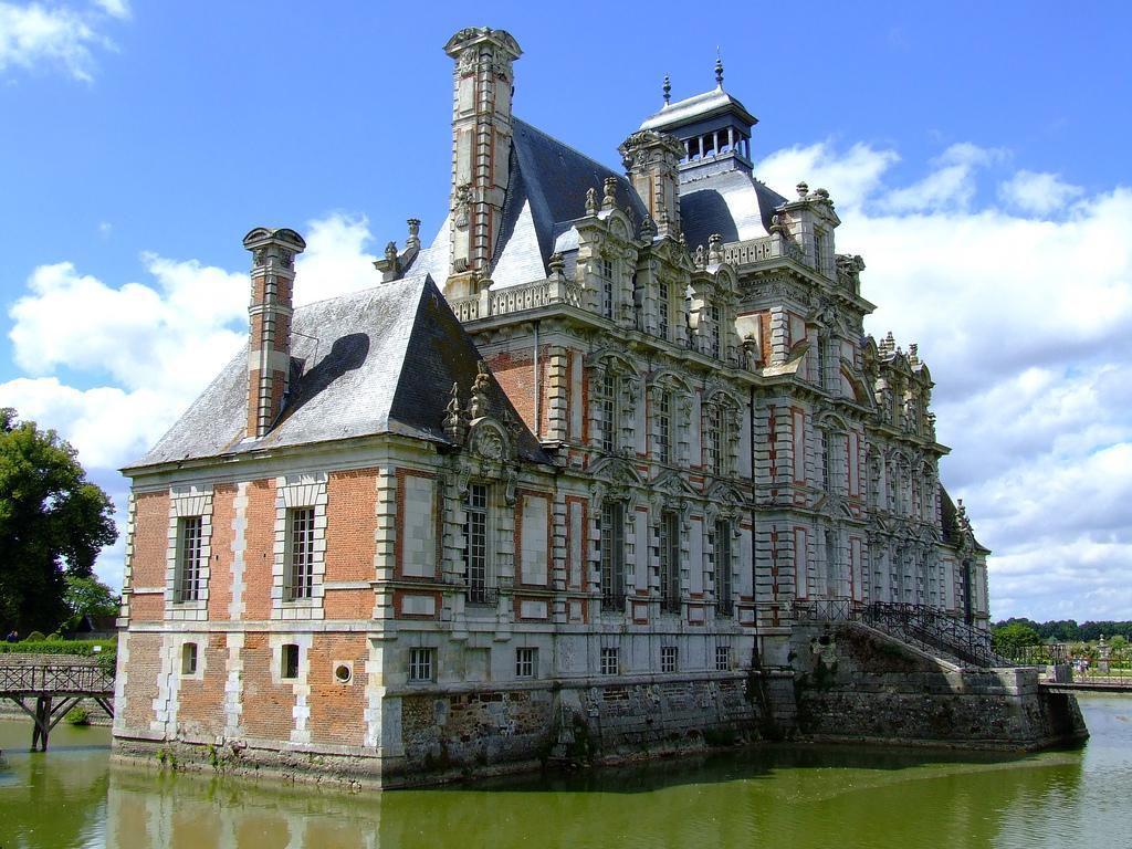 Château_Beaumesnil (1)