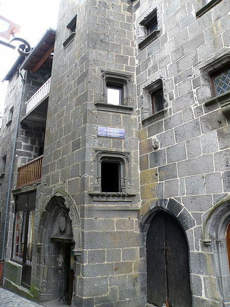 Besse, rue des Boucheries